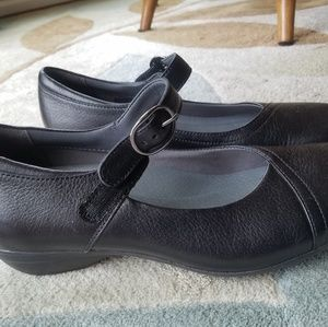 Dansko Women's Fawna Mary Jane shoes. All leather